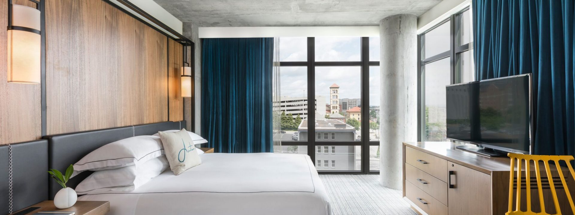 modern style and contemporary art make kimpton aertson hotel shine rh hotel addict com